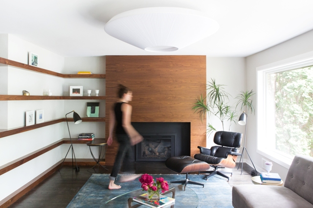 After several awkward remodels, a midcentury modern home returns to its roots with the help of designer Jennifer Jorgensen. Photo by Wing Ta of Canary Grey