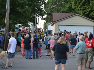 Neighbors and activists held a vigil Sunday at the 5100 block of Washburn Avenue South, where a woman was killed in an officer-involved shooting. Photos by Nate Gotlieb