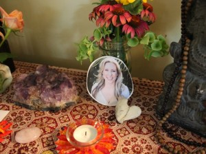 Friends stopped at 5809 YOGA to honor Justine Damond's memory.