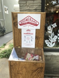 boomerang bag receptacle