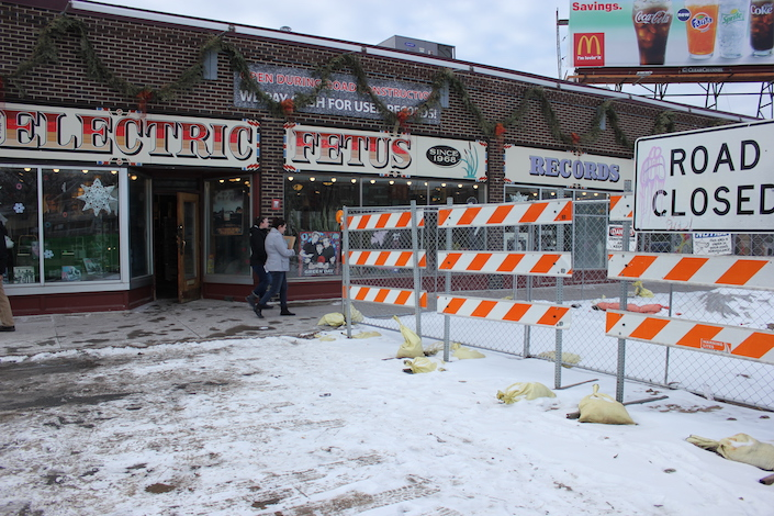 Electric Fetus reports a drop in sales following closure of the Franklin Avenue bridge.