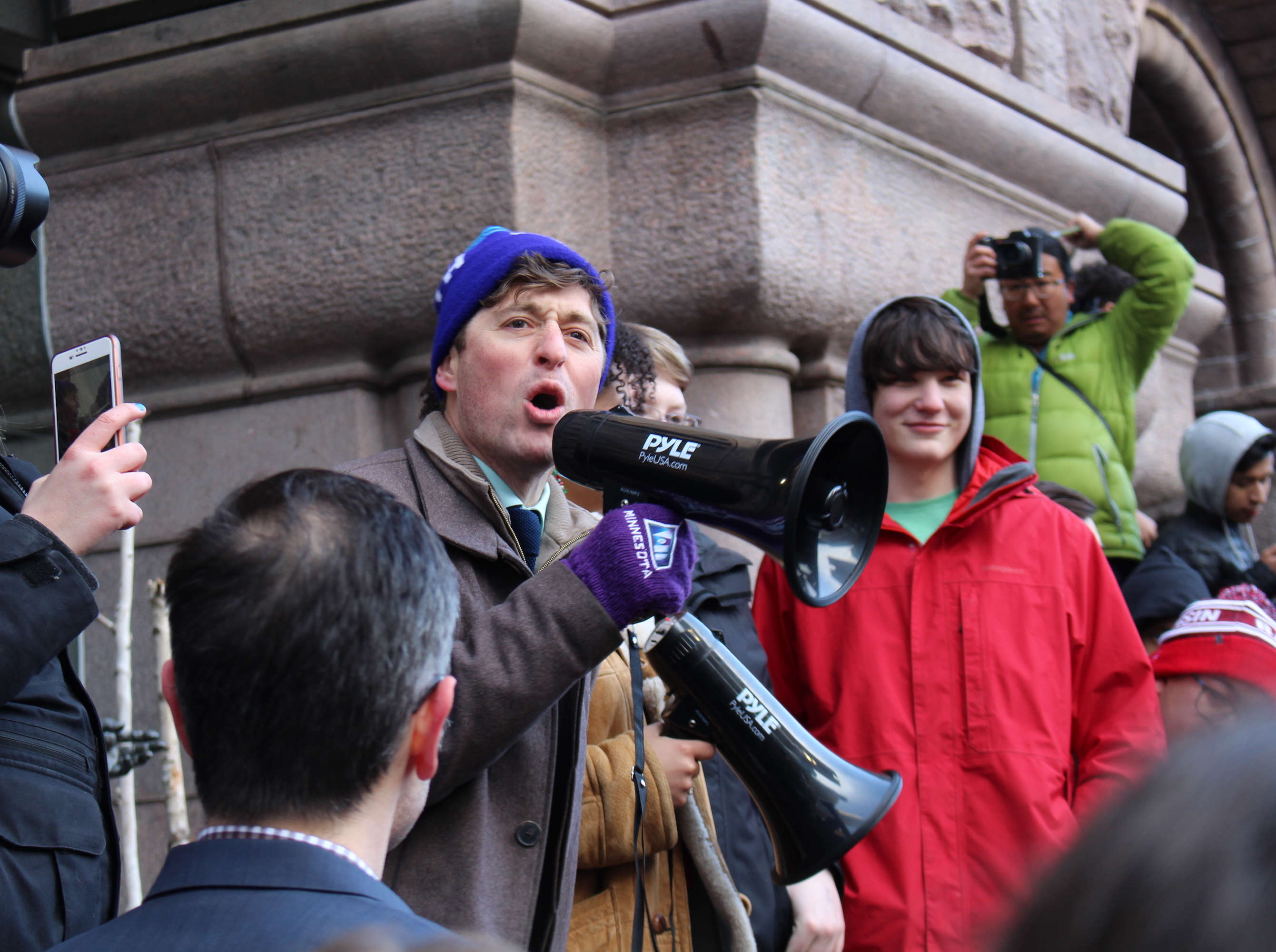 Jacob Frey addresses the student marchers.