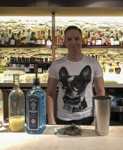 WCCO meteorologist Mike Augustyniak prepares to mix a Gin Gin at Mercy Bar inside Le Méridien Chambers Hotel. Photo by Susan Schaefer