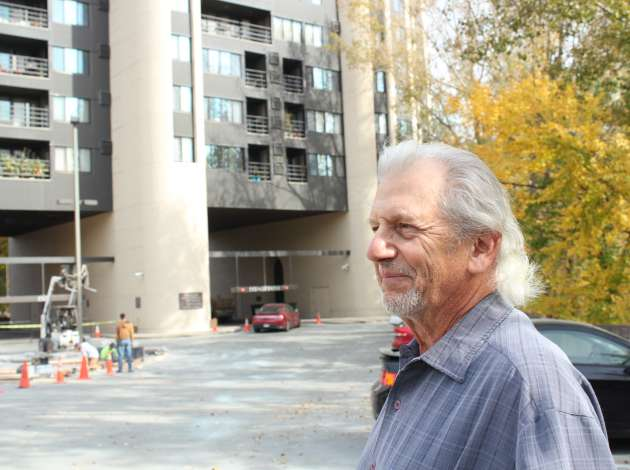 Paul Petzschke said the unique design of the Calhoun Isles Condos building seemed to amplify vibrations from nearby construction. Credit: Dylan Thomas