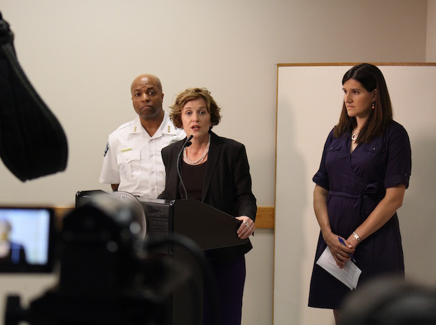 Mayor Betsy Hodges speaks at a press conference Tuesday, flanked by Minneapolis Police Department Assistant Chief Medaria Arradondo (left) and Ward 13 City Council Member Linea Palmisano.