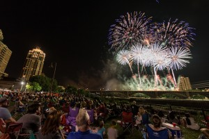 Aquatennial Target Fireworks, Dusty Hoskovec Photography